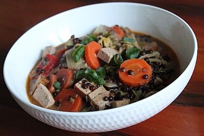 Chinakohl-Tofu-Eintopf mit Kokosmilch und Beluga-Linsen (Bild)