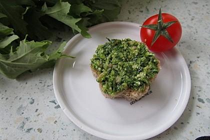 Rucola-Sonnenblumenkern-Pesto 1