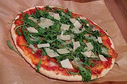 Pizza Rucola oder Pizza Barbecue mit Käserand 2