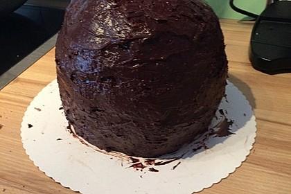 Minion-Torte mit Schokofüllung 9