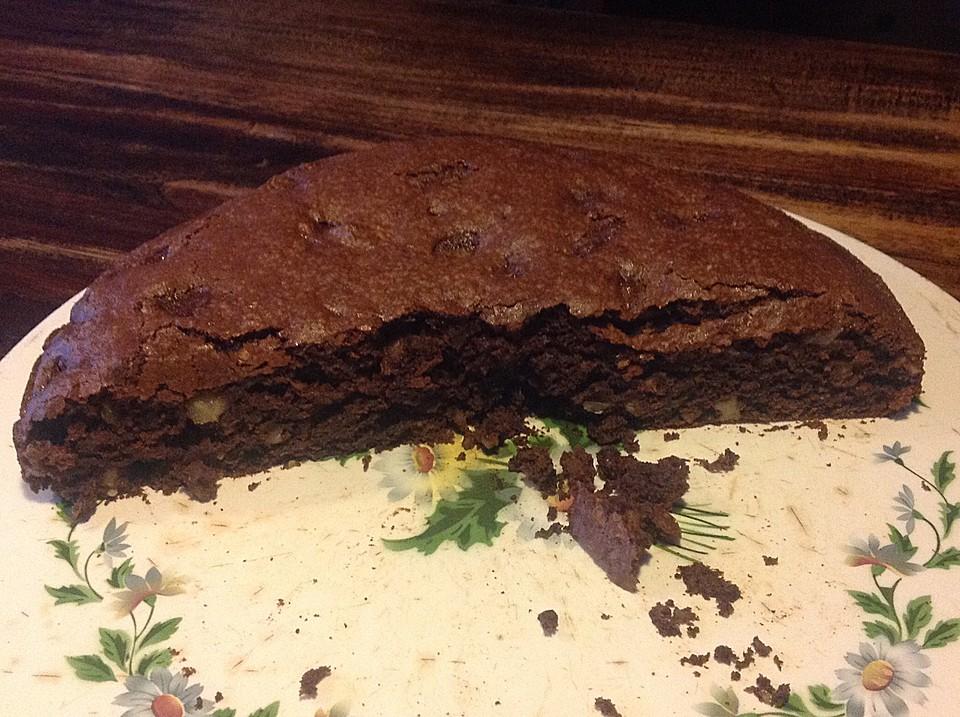 Veganer Schoko Walnuss Kuchen Mit Birne Und Dinkelmehl Von Gittana