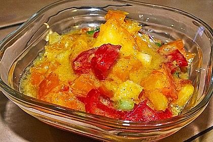 Bunter Gemüsesalat mit Orangen-Paprikasoße