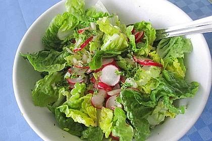 Frühlingshafter Kopfsalat mit Radieschen 9