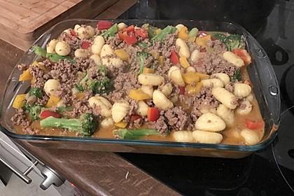 Gnocchi-Gemüseauflauf mit Hackfleischsoße 12