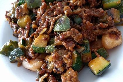 Gnocchi-Gemüseauflauf mit Hackfleischsoße 7