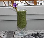Grüner Smoothie mit Feldsalat und Kokos (Bild)
