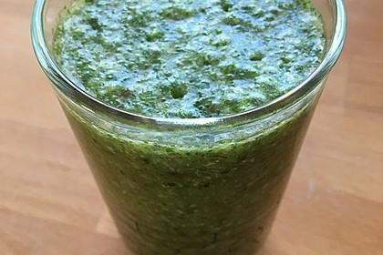 Grüner Smoothie mit Feldsalat und Kokos 2
