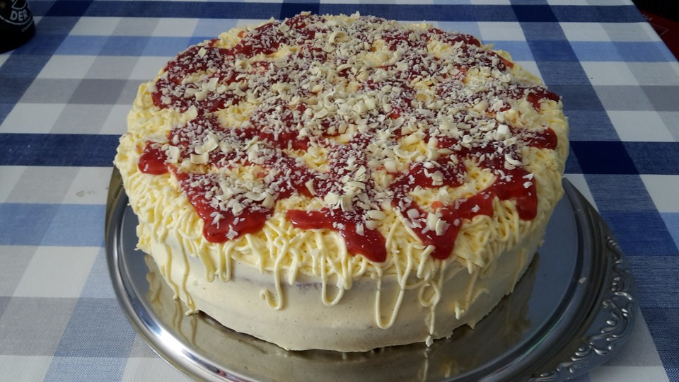 Erdbeer Spaghettieis Torte Von He Fe Chefkoch De