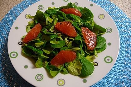 Feldsalat mit Grapefruit in Zitronendressing (Bild)