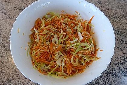 Krümeltigers bunter Weißkohlsalat