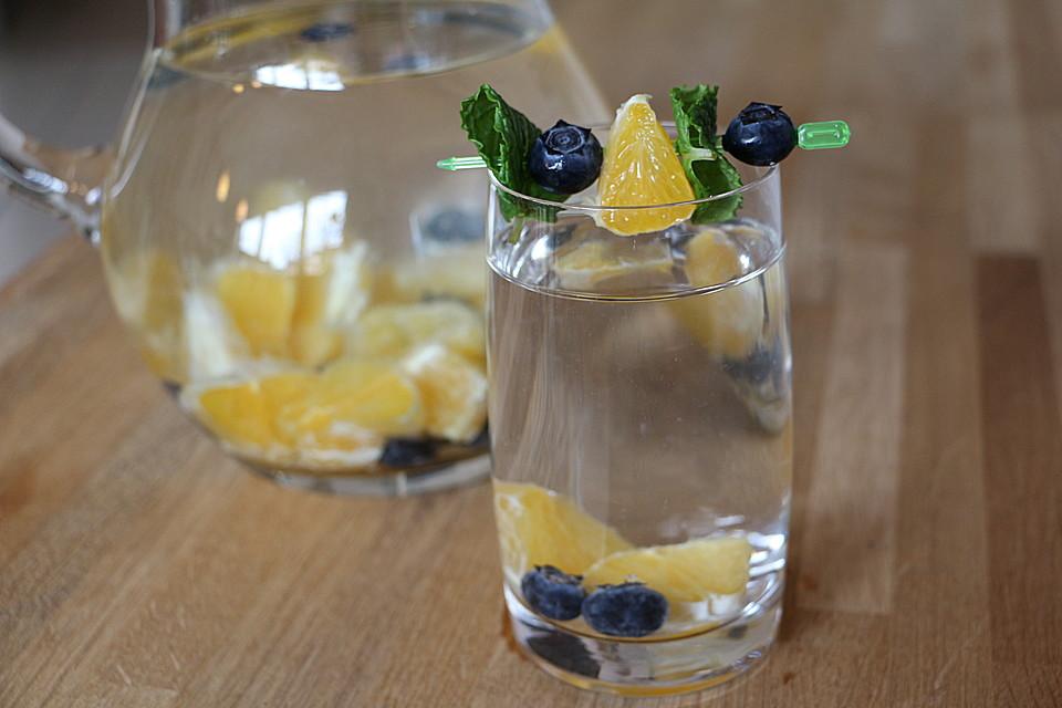Detox Wasser Ein Raffiniertes Rezept Chefkoch De