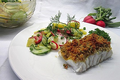 Kabeljau überbacken mit Kartoffel-Gurken-Radieschen-Salat