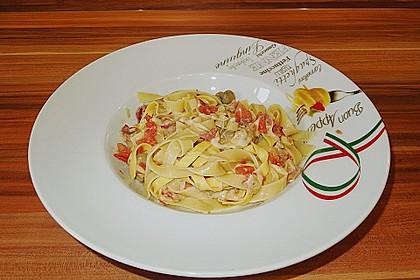 Bandnudeln mit braunen Champignons und Tomaten-Vinaigrette 1