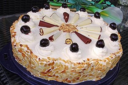 Käse - Sahne Torte mit Amarenakirschen