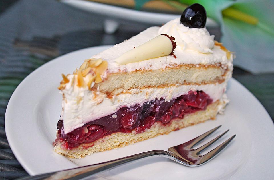 Kase Sahne Torte Mit Amarenakirschen Von Kuchenfee1304 Chefkoch De