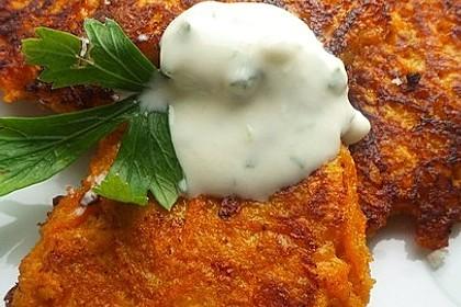 Kartoffel - Möhren Puffer mit Joghurt (Bild)