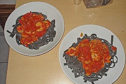 Schwarze Spaghetti mit Scampisugo 6