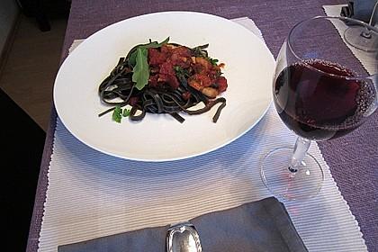 Schwarze Spaghetti mit Scampisugo 5