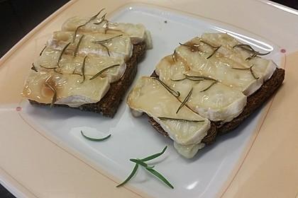 Baguette mit Ziegenkäse und Honig 2