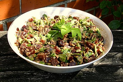 Thunfisch-Rote Bete-Salat mit Petersilie oder jungem Giersch