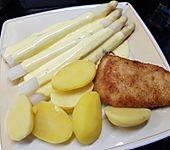 Spargel, neue Kartoffeln, Putenschnitzel und Sauce Hollandaise (Bild)