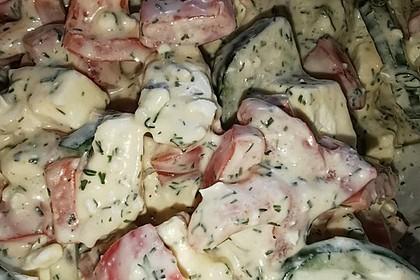 Gurkensalat in Joghurt-Mayonnaise-Senfdressing (Bild)