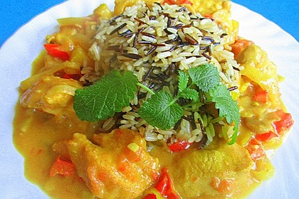 Puten-Curry Hot - mit Champignons, Peperoni, Ingwer, Apfel und Camembert