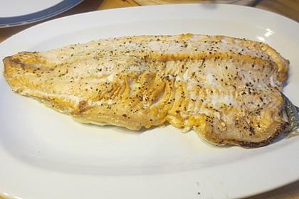 Lachs aus dem Ofen mit Dillsauce und Kartoffeln