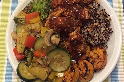 Tofu BBQ Bowl mit Bratgemüse und Quinoa 2