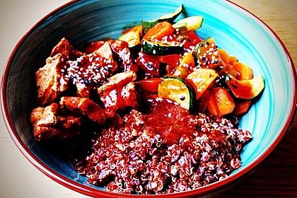 Tofu BBQ Bowl mit Bratgemüse und Quinoa 1