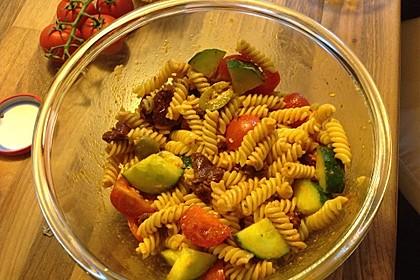 Tortellini-Pesto Salat 7