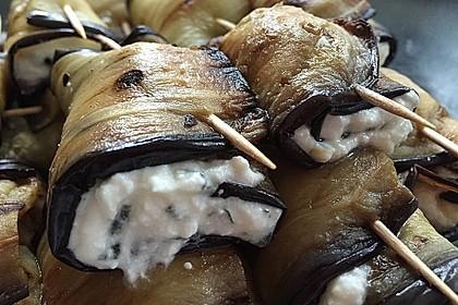 Auberginenröllchen mit Minz-Käse-Creme