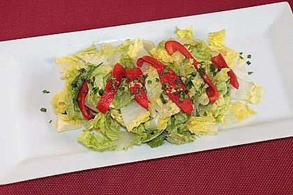 Salatherzen mit gegrillter Paprika
