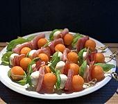 Melonen-Mozzarella-Prosciutto-Sticks (Bild)