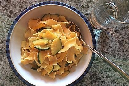 Gemüse-Nudel-Pfanne mit Kokosmilch 1