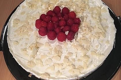 Käsekuchen mit Himbeeren und weißer Schokolade 21