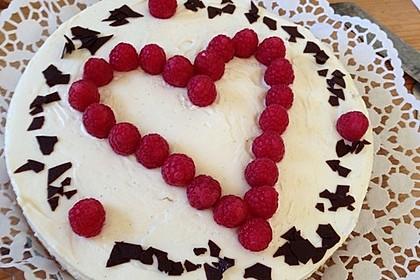 Käsekuchen mit Himbeeren und weißer Schokolade 4