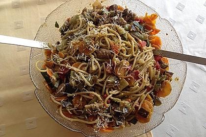 Gemüse-Pesto-Nudeln