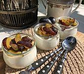 Zwetschgen-Sauerrahm-Dessert (Bild)