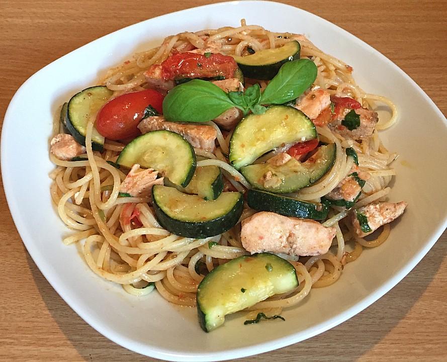 Lachsfilet Mit Gemüse : spaghetti mit gem se und gebratenem lachs von helfer55po ~ Heinz-duthel.com Haus und Dekorationen
