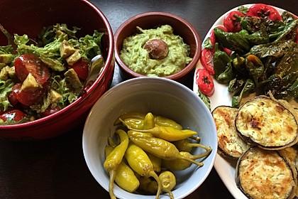 Leckerer Tomaten-Avocado-Salat 21