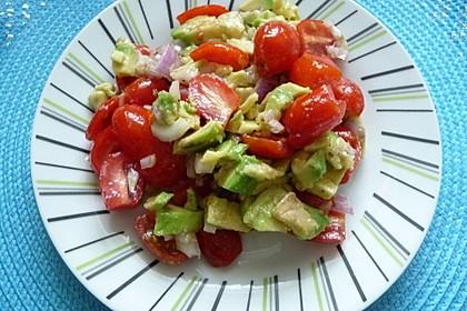Leckerer Tomaten-Avocado-Salat 20