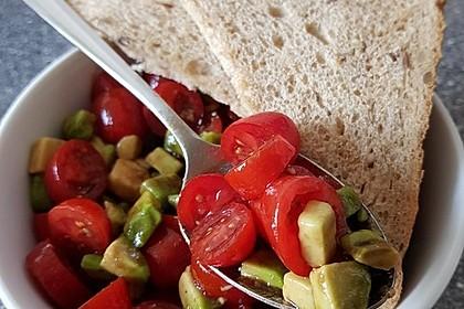 Leckerer Tomaten-Avocado-Salat 13