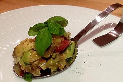 Leckerer Tomaten-Avocado-Salat 19