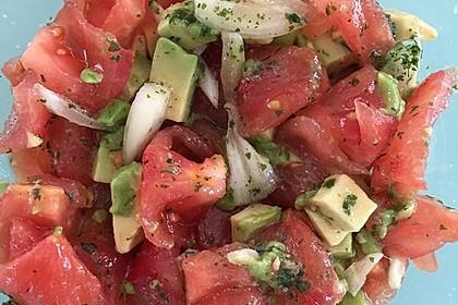 Leckerer Tomaten-Avocado-Salat 27