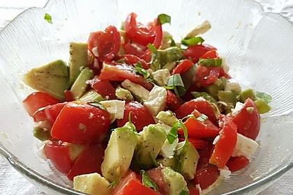 Leckerer Tomaten-Avocado-Salat 16