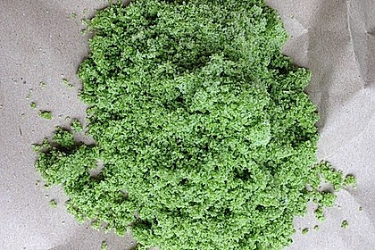 Grünes Wildkräutersalz
