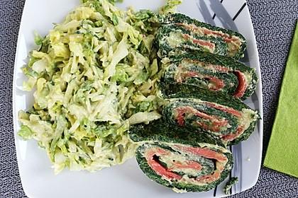 Lachs-Spinat-Rolle mit Cashew-Avocado-Salat 2