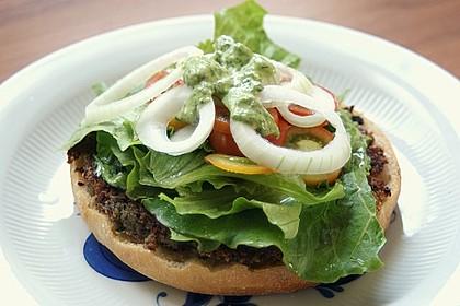 Rein pflanzlicher Avocado-Burger