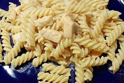 Pasta mit Lachs-Sahnesauce 16